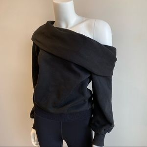 Sexy Carbon38 Off the Shoulder Sweatshirt Size S